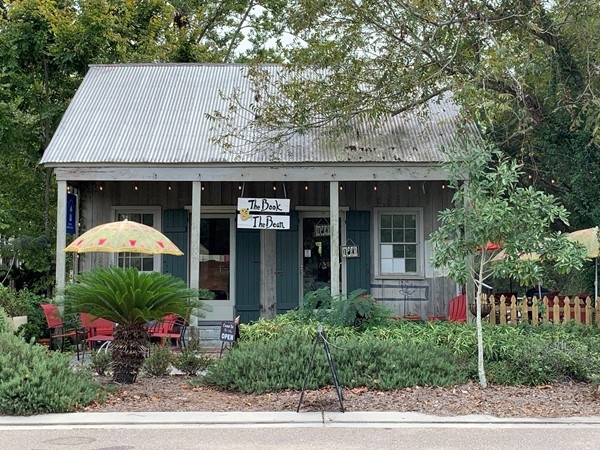 Quaint coffee shop near the lakefront. Coffee is made usually small-batch locally roasted beans