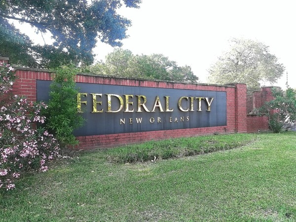 Federal City entrance-  Algiers on General Meyer Ave