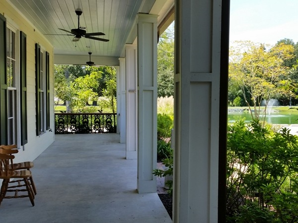 Lots of covered porch areas to enjoy at Sammy's restaurant in Prairieville